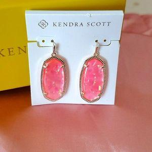 BNWT Kendra Scott Elle Earrings